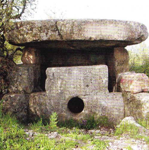 dolmen-din-lespezi-2