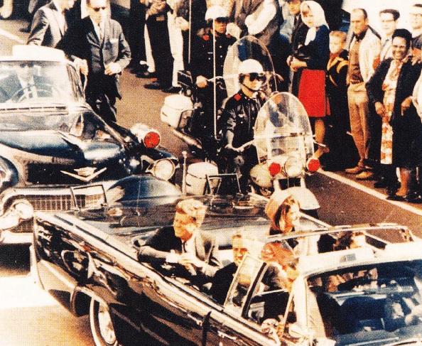 limuzina presedintelui kennedy inainte de asasinat