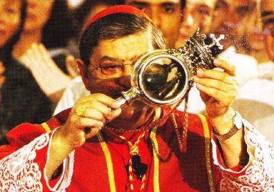Arhiepiscopul de Neapole, demonstreaza sangele-minune, pe data e 19 Septembrie 2007