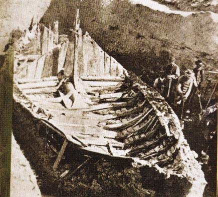 Corabie Vikinga, descoperita in urma sapaturilor arheologice in Norvegia in anul 1880