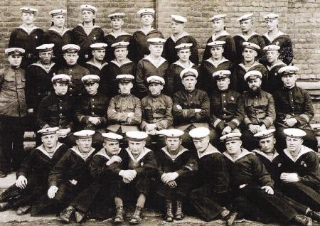 ultima-fotografie-a-echipajului-submarinului-c-2
