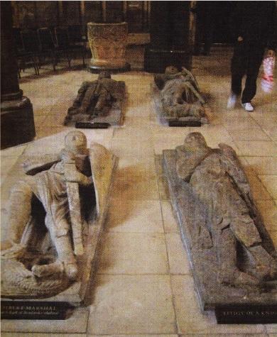 Cenotafele de marmura ale templierilor