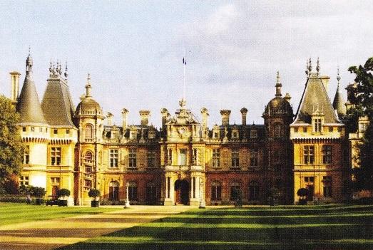 Mosia Waddesdon in Buckinghamshire, Anglia. Resedinta familiei Rothschild pana in 1957