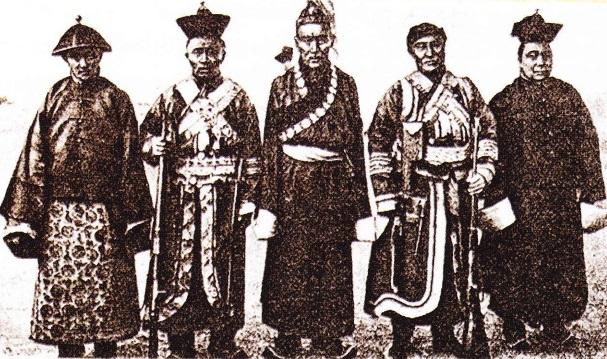Noyoni din Mongolia vestica cu Ja Lama