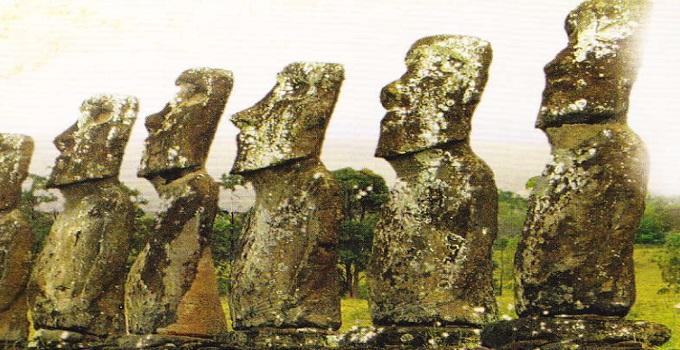 statuile-de-piatra-de-pe-insula-pastelui