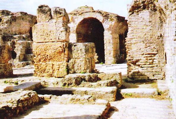 Ruinele cartierelor urbane. Termele lui Antoninus Pius