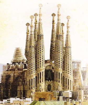 sagrada-familia-imagine-min