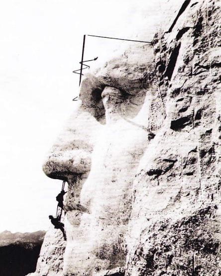 Construirea monumentului Mount Rushmore. Anul 1932.