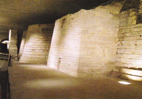 Luvrul iui Filip Augustus. Ruinele cetatii medievale. Anul 1190