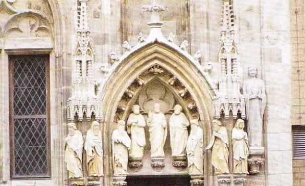 Statui de pe Catedrala din Koln
