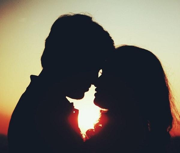 doi iubiti