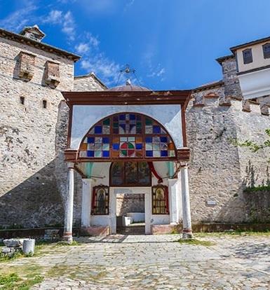 Intrarea in manastirea Marea Lavra
