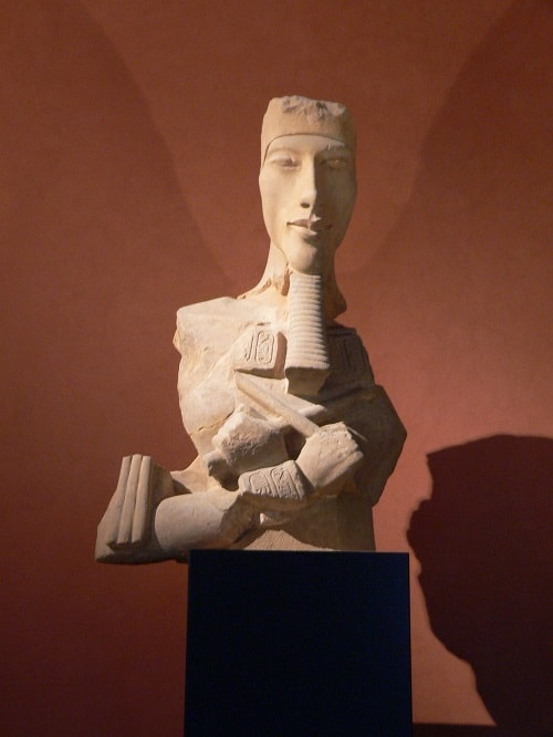 Akhenaton - Sculptura