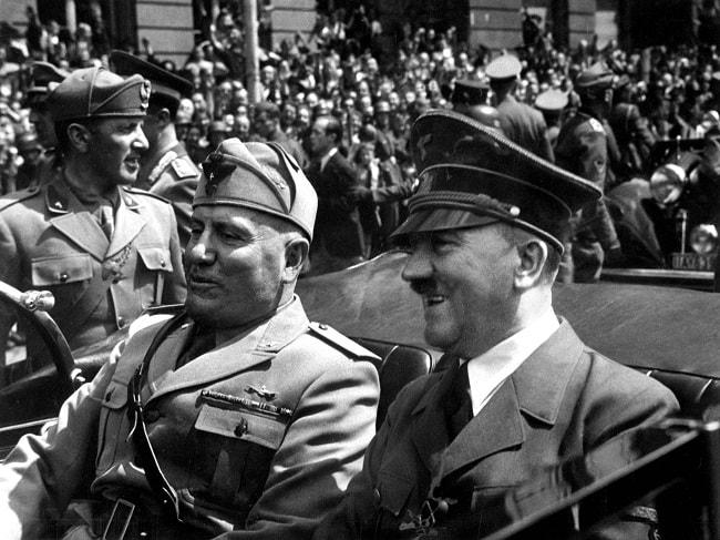 Hitler impreuna cu aliatul sau Mussolini