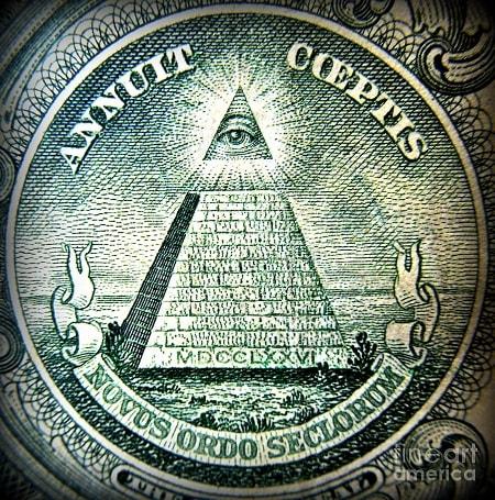 Celebra piramida de pe Dollar
