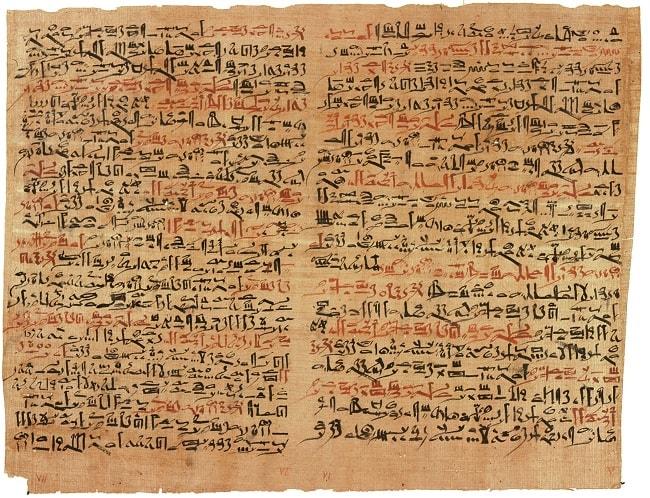 Scriere egipteana pe papirus