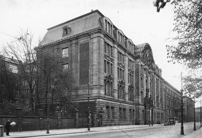 Cladirea Gestapo-ului (politia secreta de stat a nazistilor) in cel de-al Doilea Razboi Mondial