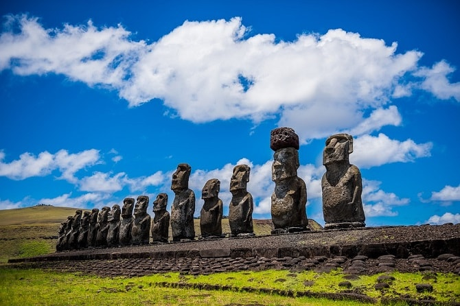 Statui de pe insula Rapa Nui