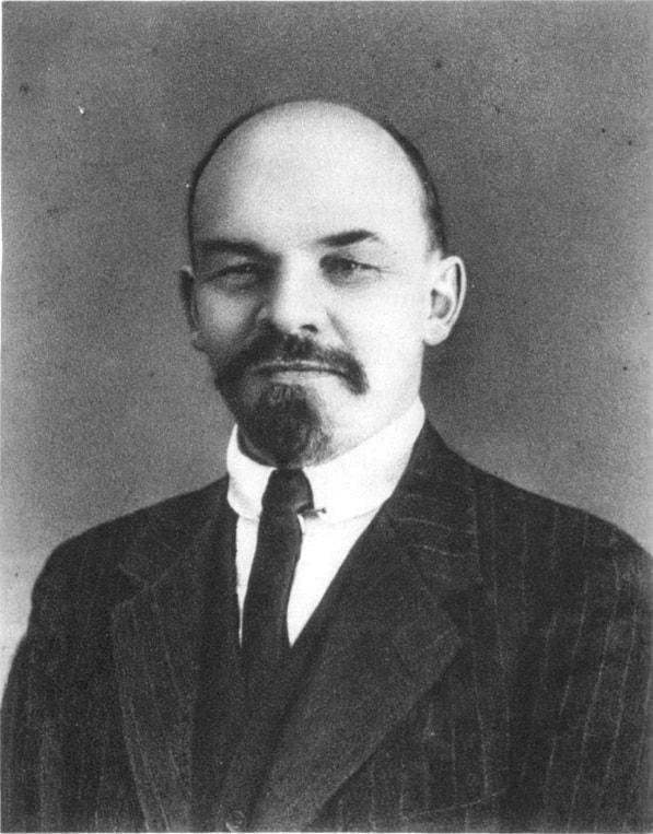 Lenin (poza facuta in Elvetia, in 1916)