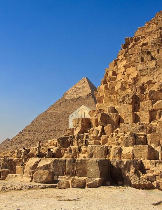 Blocurile din care este construita piramida