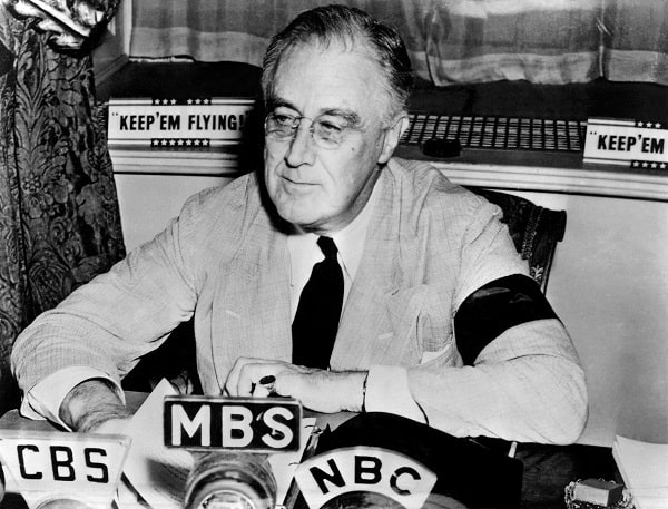 Roosevelt la o conferinta de presa din Septembrie 1941