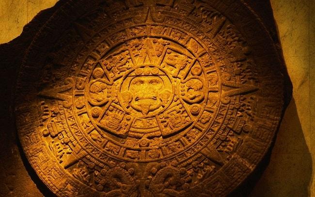 "Calendar aztec, gravat pe o ""piatra Soare"""