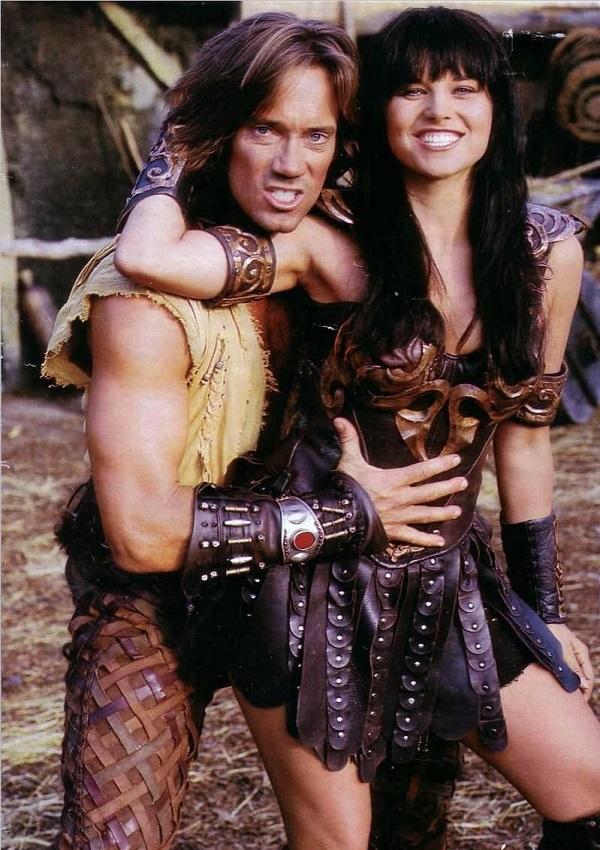 Xena alaturi de Hercule (jucati in serial de Luccy Lawless si Kevin Sorbo)