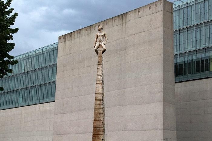Faţadă a muzeului Egiptului din Munchen