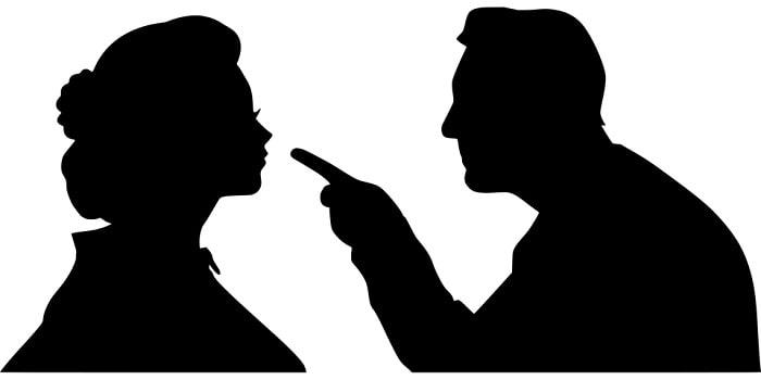 adult cearta o femeie