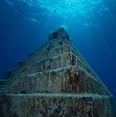 Piramide subacvatice vechi de 10000 ani