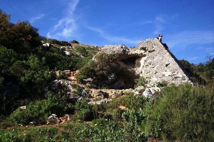 Piramida din Falicon