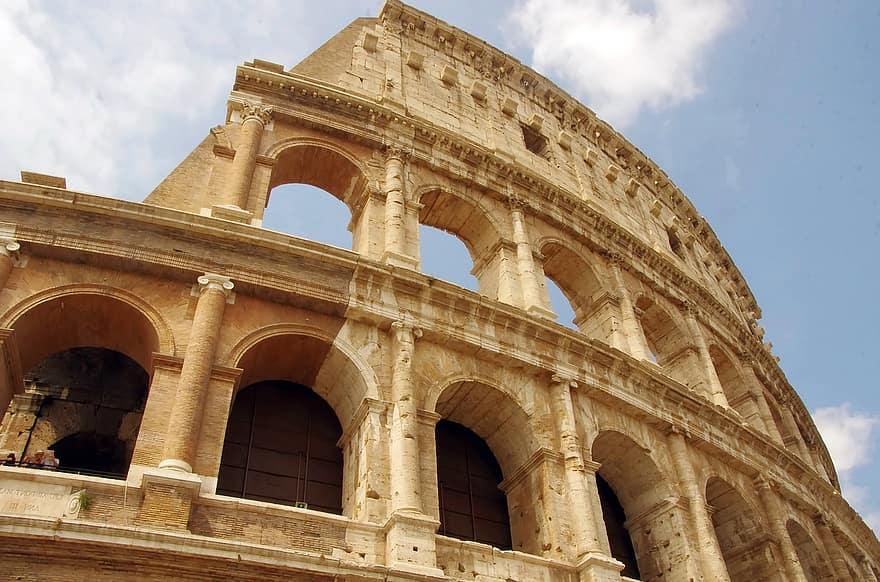 Arcadele Colosseumului