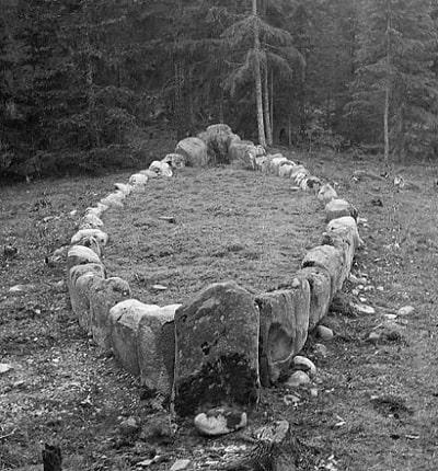 Gotland - cimitirul navelor de piatră