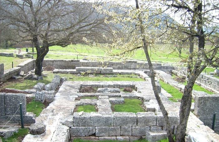 Ruinele din Dodona (locatia unde oamenii veneau la oracol)