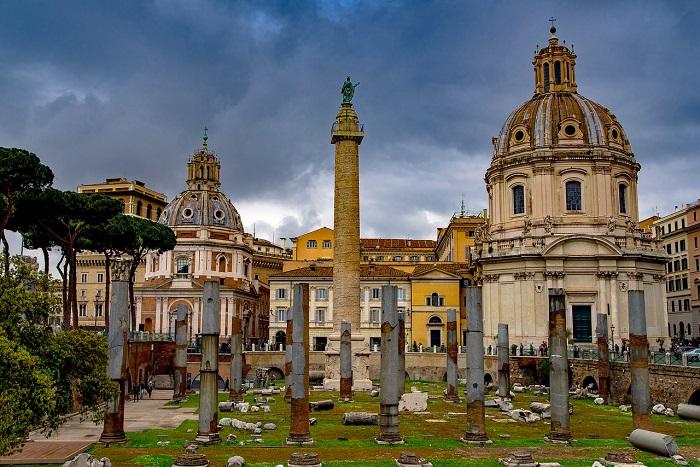 Columna lui Traian si imprejurimile (Roma)