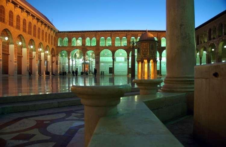 Marea moschee din Damasc (Curtea de interior)