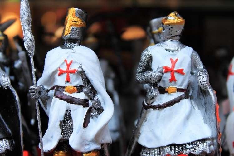 Cam așa arătau cruciatii - Omuleți din ceară