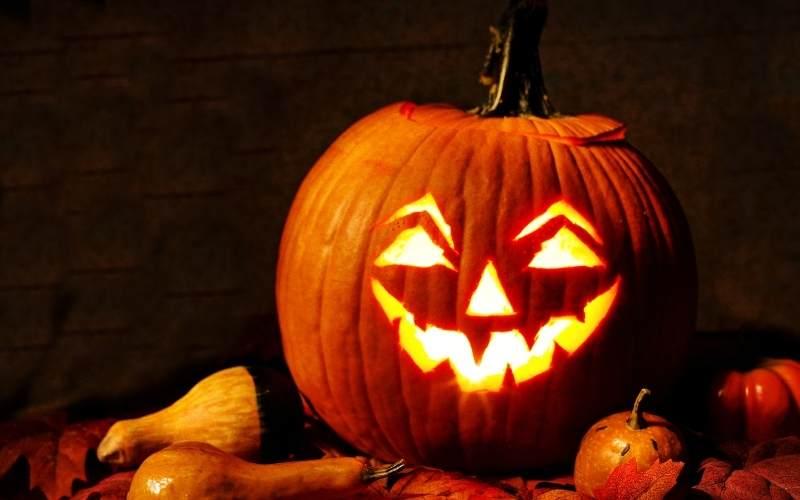Dovleac modern de Halloween