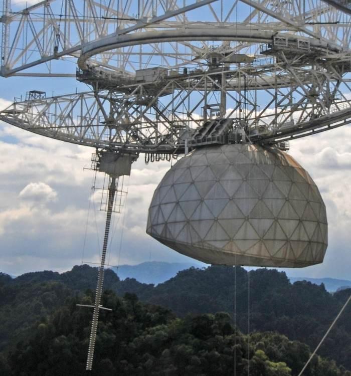 Radiotelescopul din Arecibo (Puerto Rico)