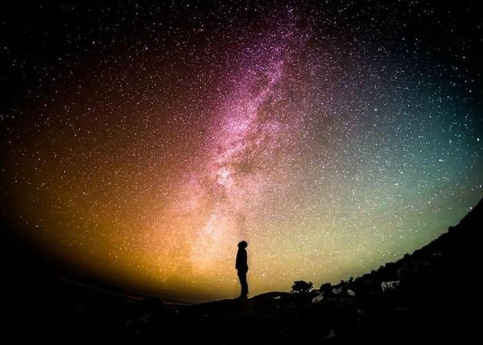 omul comunica cu Universul