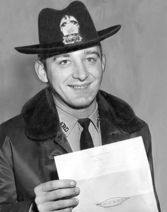 Politistul Schirmer, poza după ce a dat declarații presei (decembrie, 1967)