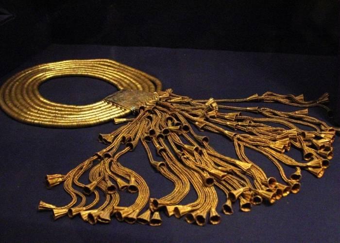 Bijuterie a faraonului Psousennes