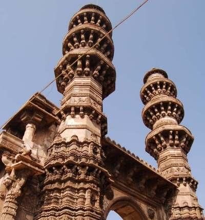 Minaretele mișcătoare din India