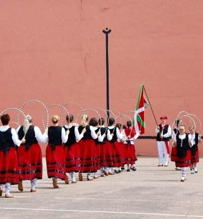 Bascii - Origini si mituri