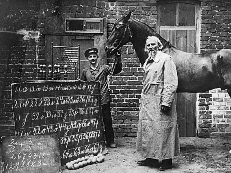 Calul Hans, cu al lui stăpân si psihologul Oskar Pfungst