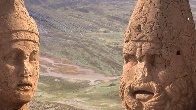 Capul lui Antioh si a lui Heracles (Hercule), Nemrut Dag, Anatolia, Turcia