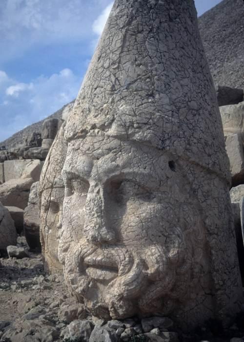 Capul lui Zeus, Anatolia, Nemrut Dag