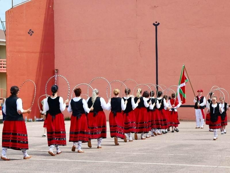 portul popular al bascilor
