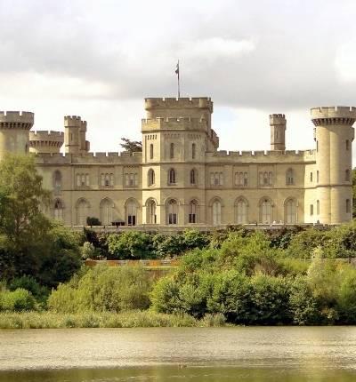 Fenomene inexplicabile împiedică restaurarea castelului Eastnor