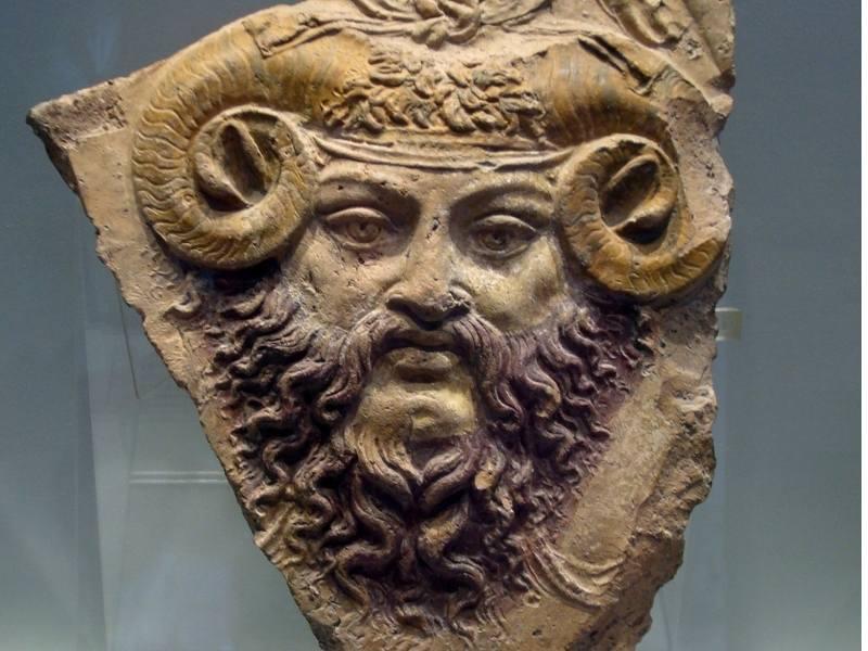 Coarnele lui Amon - Sculptură antică
